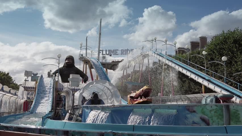 Gorilla flume ride park 60fps paris france 18 july for Amusement parks in paris