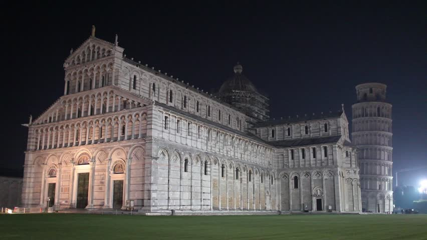 Video clip of Pisa Cathedral and the Leaning tower by night.