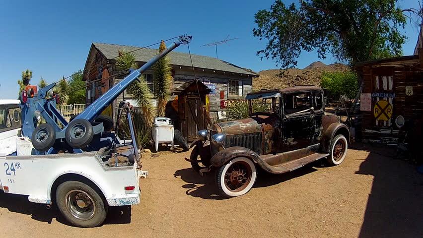 Wen2k Com Junk Yard Salvage Yard Auto Repair Garage: Dépanneuse Stock Footage Video