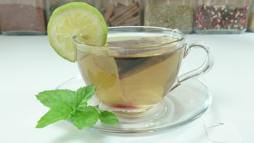 Green herbal tea with fresh mint