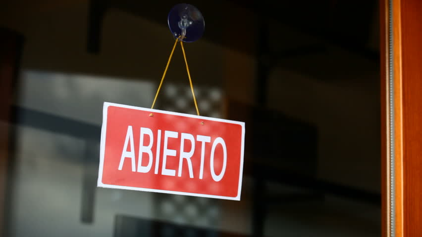 Open and closed signs (espanol)