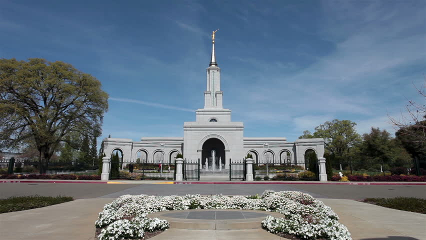 mormons place and conduct of worship Of chapels and temples: explaining mormon worship services such a perception may stem from a blurring of the line between regular sunday worship services that take place in chapels and temple worship like other christians.