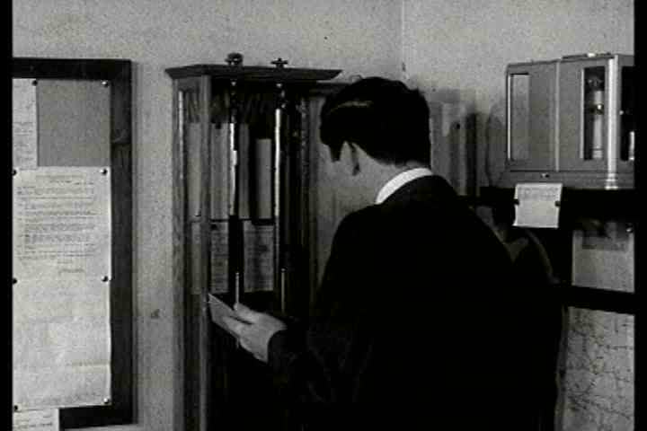 1940s - Weather is explained in this early film about vacuum control, circa 1940.