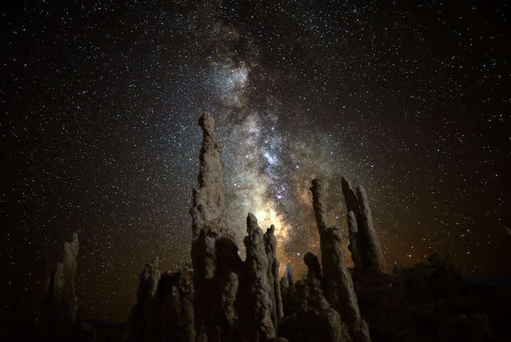 4K Astro Time Lapse of Milky Way & Tufa Formation in Mono Lake