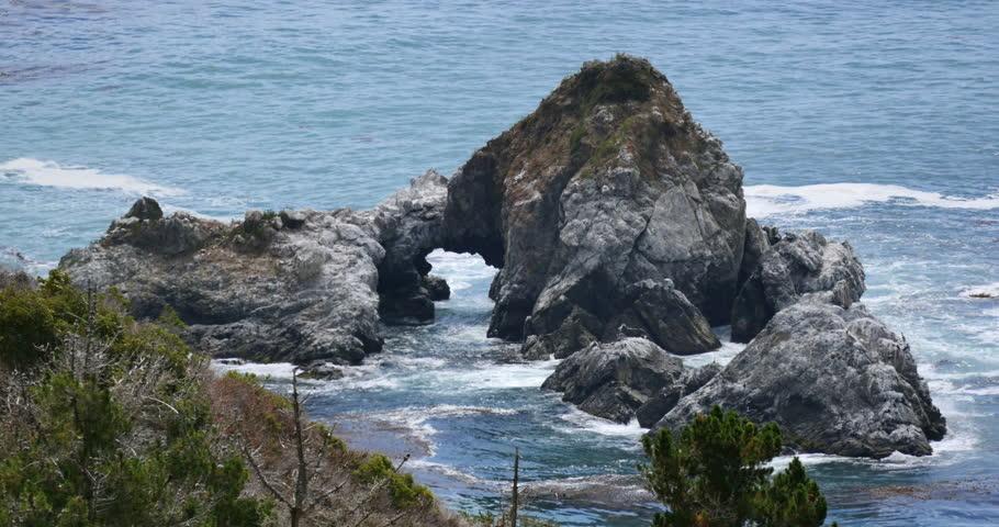 Pacific Ocean Big Sur California Beach 4k Hd Desktop: California Coastal Highway One And Pacific Ocean Arch Rock