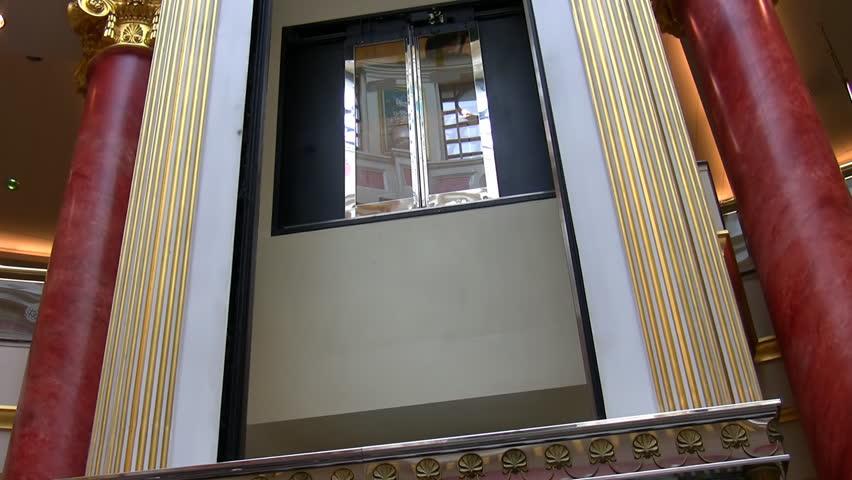 Luxury indoor empty transparent hydraulic elevator glass for Indoor elevator