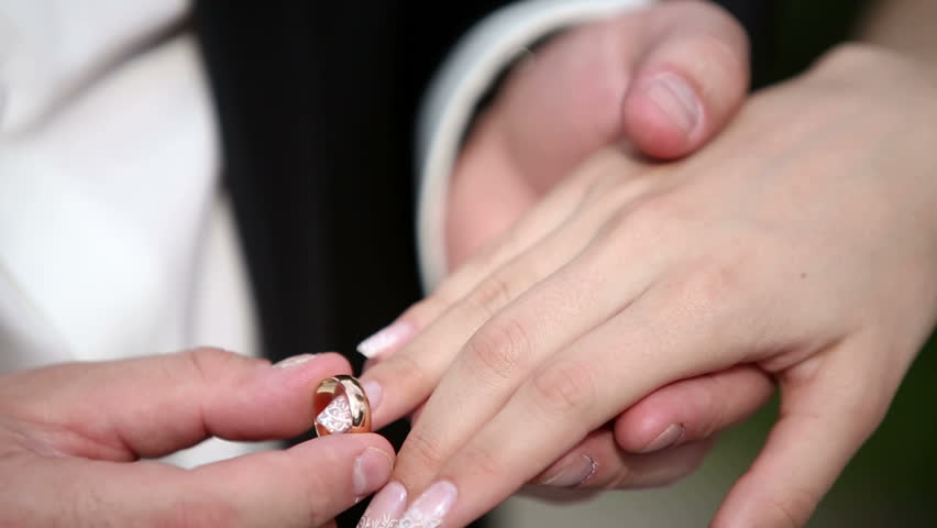 where to put wedding ring Wedding RIngs Design Ideas