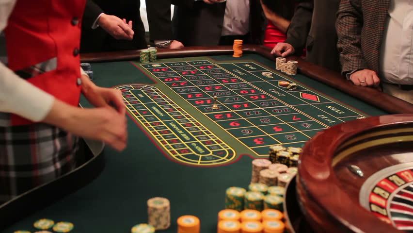 Definition slow roll poker