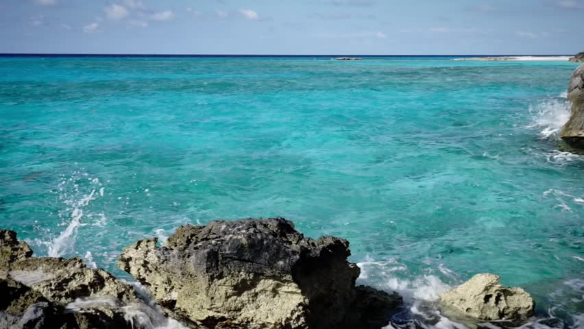 caribbean turquoise clear water