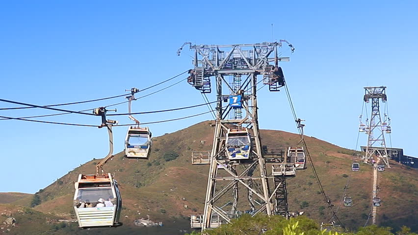 Ngong Ping 360 Cable Car, November 23 : The Cable Car Transport Service For Tourist Go To Worship Tian Tan Buddha Statue Of Hong Kong 2014 (zoom out)
